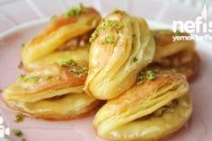 Practical Dessert with Coconut - Yummy Recipes - Tatlı backen recipes bread Turkish Recipes, Ethnic Recipes, Turkish Sweets, Snack Recipes, Cooking Recipes, Yummy Recipes, Coconut Recipes, Bread Recipes, Dessert Recipes