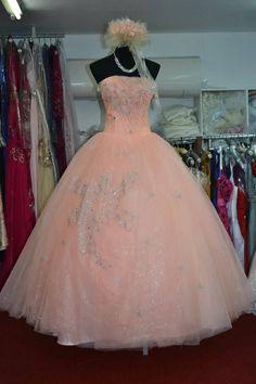 #DesignerGowns #LatestGownsOnline #BridalGownOnSale   #StylishGownIndia      Maharani Designer Boutique  www.maharanidesigner.com  Price.24000      Cont.8699101094