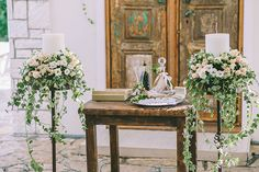 Best wedding candles are Wedding ceremony mast candles, Votive candles, tealight candles and Narrow candles. Altar, Long Table Centerpieces, Church Candles, Church Wedding Decorations, Church Flowers, Greek Wedding, Amazing Weddings, Wedding Wishes, Wedding Bouquets