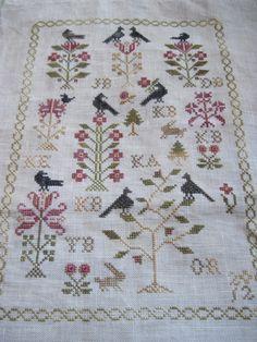 xszemekbe zárva...: Blackbird Designs Mother's Garden...most csak mi nők...    Nina's Threads: Old Gold, Nougat, Burgundy, Caramel, Onyx, Grizzly  Nina's linens: 36ct Cacao Light