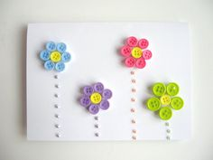 Love the button flowers Fabric Cards, Fabric Postcards, Paper Cards, Button Crafts For Kids, Button Cards, Button Button, Flower Cards, Kids Cards, Greeting Cards Handmade