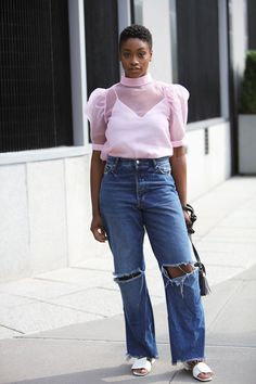 Your glimpse at all the best-dressed folks attending runway shows, after parties and everything in between at New York Fashion Week Spring New York Fashion Week 2018, Street Style Looks, Spring Style, Bell Bottom Jeans, Spring Fashion, Nice Dresses, Mom Jeans, Runway, Parties