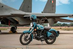 ROYAL ENFIELD Classic 350 Signals Airborne Blue comes in matt finish inspired by Air force Uniform. It has the same specification as Classic 350 but it comes in ABS(Anti breaking lock system) Air Force Wallpaper, Royal Enfield Classic 350cc, Motorcycles In India, Best Photo Background, Background Images, Royal Enfield Wallpapers, Bullet Bike Royal Enfield, Royal Enfield Accessories, Enfield Bike
