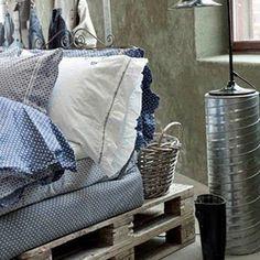 http://www.interiorholic.com/photos/budget-solutions-diy-bed-frames.jpg