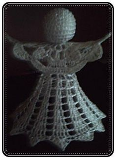 Here are the instructions for this angel! We start at the wing over a … - Amigurumi Easy Christmas Decorations, Crochet Christmas Ornaments, Christmas Crochet Patterns, Crochet Snowflakes, Crochet Angels, Crochet Lace, Free Crochet, Mercerized Cotton Yarn, Crochet Winter