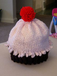 Ravelry: Cupcake Hat pattern by Becky Veverka Knitting Patterns, Crochet Patterns, Kids Hats, Girl With Hat, Stitch Markers, Baby Hats, Baby Knitting, Knitted Hats, Free Pattern