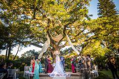 Casamento sob a árvore com votos emocionantes – Luana & Tiago | Lápis de Noiva