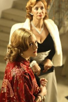 Daphne du Maurier and Gertrude Lawrence - Geraldine Somerville and Janet McTeer in Daphne (BBC Elizabeth Mcgovern, Geraldine Somerville, Janet Mcteer, Daphne Du Maurier, Theatre Costumes, Film Movie, Real People, Bbc, Theater