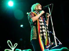 """Sia Furler. Performing """"Breathe Me""""."""