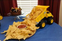 40 Ideas For Dump Truck Birthday Party Ideas Construction Theme Baby Shower Shower Party, Baby Shower Parties, Baby Shower Themes, Baby Boy Shower, Baby Shower Gifts, Shower Ideas, Baby Shower Foods, Tractor Baby Shower, Baby Shower Cakes For Boys