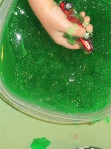 Patrick's Day Jello Sensory Activity for Kids Halloween Party Games, Halloween Carnival, Halloween 2014, Halloween Birthday, Halloween Kids, Halloween Crafts, Holiday Crafts, Holiday Fun, Happy Halloween