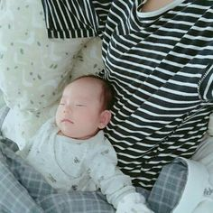 Cute Asian Babies, Korean Babies, Asian Kids, Cute Babies, Dad Baby, Mom And Baby, Baby Kids, Baby Boy, Baby Pictures