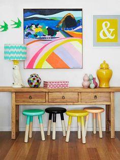 Children's room decor Színes székek tetszenek
