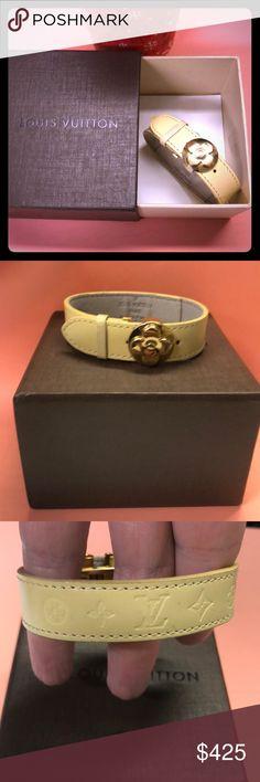 Louis Vuitton Hapi monogram leather bracelet Gorgeous LV Hapi monogram  print bracelet in a cream color e1509814cec0