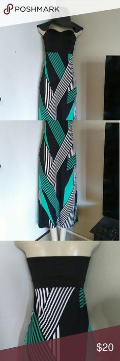 maxi dress A beautiful sweetheart tube maxi dress size small Charlotte Russe Dresses Maxi