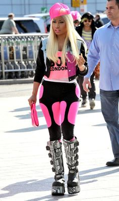 the Cyberdog PINK Power Sculpture leggings are HOT but humm Nicki ?? i like that she has her own unique style .