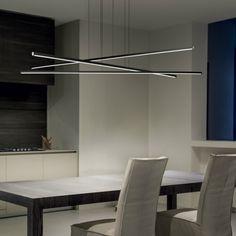 Cerchi l'illuminazione efficiente per l'ufficio o il tavolo da pranzo? Linea Light Straight è l'ideale. Puoi scegliere una luce diffusa o puntuale. Disponibile a una o a 3 luci. #StilluceStore #LineaLight #Straight #meglioin2