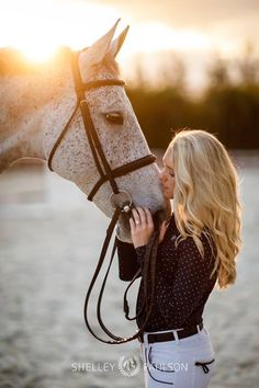 Shelley Paulson - Equestrian Branding, Advertising, and Portrait Photography Horse Senior Pictures, Pictures With Horses, Horse Photos, Senior Pics, Cute Horses, Pretty Horses, Horse Love, Beautiful Horses, Horse Girl Photography