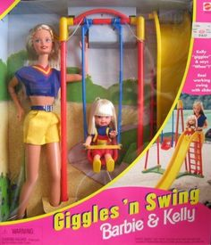 Giggles 'n Swing Barbie & Kelly Dolls by Mattel. I kind of remember when these dolls were in stores. Barbie Y Ken, Barbie 1990, Barbie Sets, Barbie Kelly, Barbie Sisters, Barbie Family, Barbie Skipper, Childhood Toys, Childhood Memories
