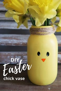 A simple DIY craft for Easter. Paint mason jar chicks to make a perfect vase and Easter decor. activities for office DIY Easter Chick Mason Jar Vase - Weekend Craft Weekend Crafts, Fun Crafts To Do, Easy Diy Crafts, Diy Craft Projects, Kids Crafts, Craft Ideas, Mason Jar Vases, Painted Mason Jars, Mason Jar Crafts