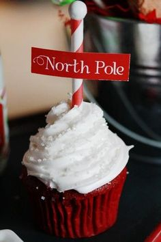 North Pole cupcakes! Good grief these are CUTE!