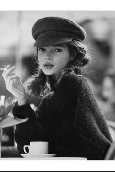 The French cap yesterday and today - Annika Thiesfeld - - Die französische Mütze gestern und heute kate moss - Fashion Models, New Fashion, Trendy Fashion, Fashion Beauty, Moss Fashion, Fashion Shoes, Fashion Hair, White Fashion, Nineties Fashion