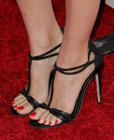 Beth Behrs's High Heels ...XoXo