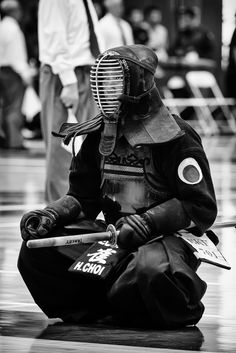 https://flic.kr/p/nT7AUk | Wait | One of the contestant waiting after his match. US Kendo Championship, San Diego, California, USA