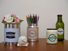 Teto, parede e afeto: Rótulos retrô para reciclar latas e garrafas