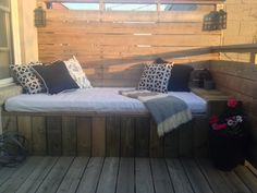DIY Outdoor Daybed - Storefront Life
