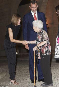 Reines & Princesses - King Felipe, Queen Letizia and Queen Sophia hosted a…