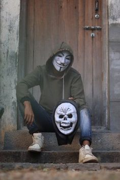 Set hidden face mask dp on fb and whatsapp HD pics Best Poses For Men, Joker Photos, Hollywood Songs, Dont Touch My Phone Wallpapers, Best Whatsapp Dp, Whatsapp Profile Picture, Bollywood, Pics For Dp, Joker Wallpapers