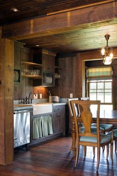 Winter conjures up dreams of cozy fireplaces and plaid blankets. These 10 examples of cabin style decorating ideas will inspire your winter decor.