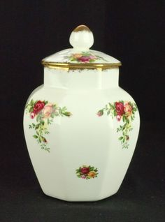 Royal Albert Old Country Roses Octagonal Lidded Jar 1st Quality VGC
