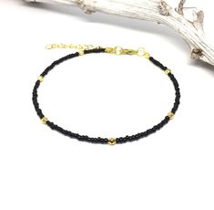 Ankle strap with black miyuki beads and golden facet beads. The ankle strap has a gold-coloured closure with a extension chain, so you can always extend it. * Length ankle strap to order in size 17 through 24 cm Summer Jewelry, Boho Gypsy, Birthday Wishes, Ibiza, Ankle Strap, Extensions, Jewelery, Fine Jewelry, Beaded Bracelets