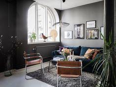 Keltainen talo rannalla Small Space Living, Living Spaces, Huge Windows, Dark Walls, Studio Apartment, Small Apartments, Throw Pillows, Bedroom, House