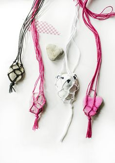 Beautiful Macrame Rock Necklaces | willowday (gina vide) for The Artful Parent