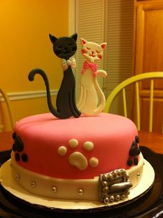1 layer 6 inch cake. I used patchwork cutters to cut cats. TFL