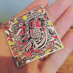 Cool geocoin pic posted on Twitter by Geocaching Vlogger. The oval-based design reminds me of Haida art. #IBGCp