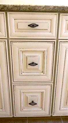 Timberlake Sierra Vista Cabinets. Triple Drawer Stack With Venetian Bronze  Hardware.
