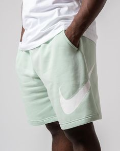 Jogger Shorts, Joggers, Sneaker Boutique, Nike Outfits, Gym Men, Gym Shorts Womens, Running, Videos, Jeans