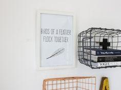 Lieve tekst met getekende veer. Leuk om bijvoorbeeld op te hangen in de slaapkamer. Bij deze poster krijg je gratis een kaart naar keuze.