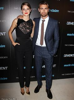 "Shailene Woodley & Theo James at the Marie Claire & The Cinema Society screening of ""Divergent"" in NYC March 2014 Tris Et Tobias, Divergent Theo James, Divergent Movie, Casual Jumpsuit, Black Jumpsuit, Shailene Woodly, Nyc March, Tris And Four, Vintage Jumpsuit"