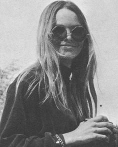 gotta love Michelle Phillips! woman had style