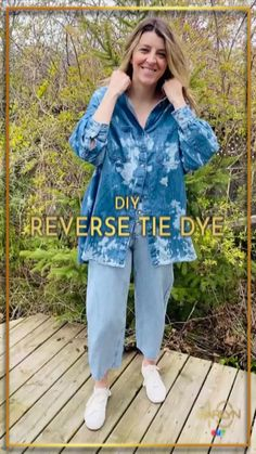 Tie dyed shirts are everywhere right now, but rather than buying a new one, upcycle an old piece in your closet! This technique uses bleach rather than a variety of dyes, which makes is even easier to get the look. Warning: you might end up transforming half of your wardrobe! Diy Tie N Dye, Diy Tie Dye Shirts, How To Tie Dye, Tie Dyed, Reverse Tie Dye, Tie Dye Techniques, Bleach Tie Dye, Half Shirts, Clothing Hacks