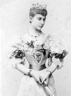 Princess Charlotte of Prussia - Wikipedia - eldest  Grandaughter of Queen Victoria and Prince Albert  Princess Charlitte was born in 1860