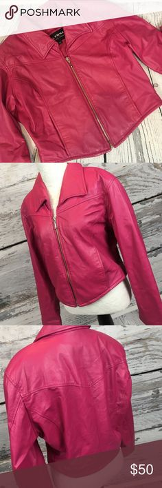 """Wilsons CROPPED Pink Leather Jacket Sz L  This jacket is sweeeeeeet!!!! Perfect for Valentines Day!! Cropped PINK Wilsons leather jacket women's Size Large. In BEAUTIFUL condition. Soft leather, lined with front pockets. This is a HOT chic coat!!! Pair it with jeans & boots or a black skater dress ❤ smoke free home in excellent condition!!  Measurements (flat) Armpit to armpit: 21.5 Armpit to bottom: 8.5"""" Armpit to cuff: 18"""" Shoulder to bottom: 21.5"""" Across bottom: 17"""" Wilsons Leather…"""