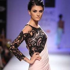 31 Sari Blouse Styles To Fall in Love With - The Big Fat Indian Wedding Blouse Back Neck Designs, Saree Blouse Designs, Blouse Styles, Sari Blouse, Lace Saree, Pink Saree, Lehenga, Anarkali, Indian Attire