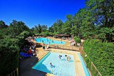 Camping Le Pech Charmant is een sfeervolle familiecamping in de Dordogne met zwembad en luxe safaritenten. Een echte natuurcamping in een bosrijke omgeving.