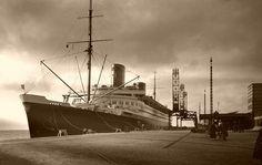 ... großeltern um 1932 motorschiff bremen am bremerhavener columbuskaje